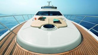 Azimut-64-motor-yacht-bow-view