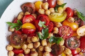 tomatochickpeasalad