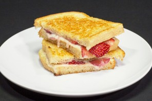 Fancy-Shmancy Dessert Grilled Cheese
