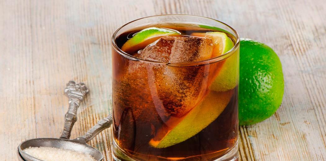 Cuba Libre drinks