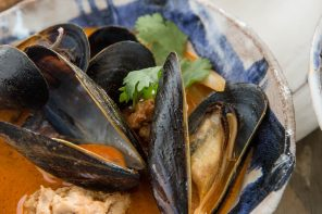 Mussels with Red Curry Broth and Lemongrass